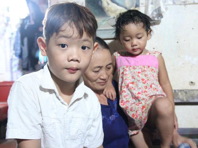 2 đứa trẻ mồ côi, hoàn cảnh đáng thương của 2 đứa trẻ mồ côi