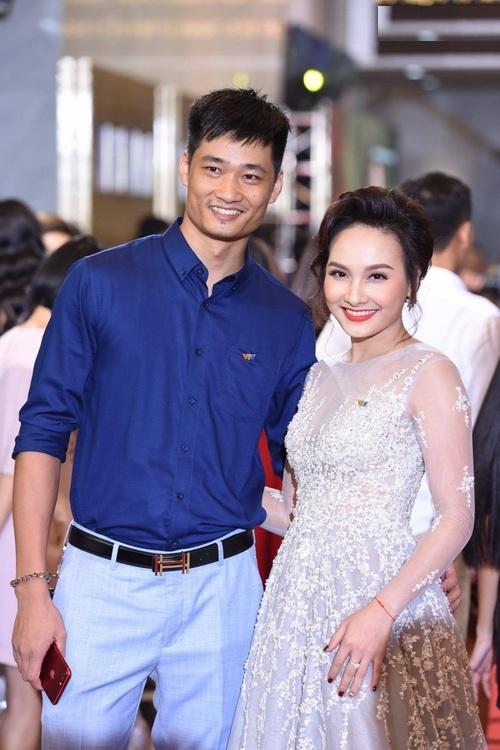 lý do vắng mặt, Lan Hương không xuát hiện đêm trao giải