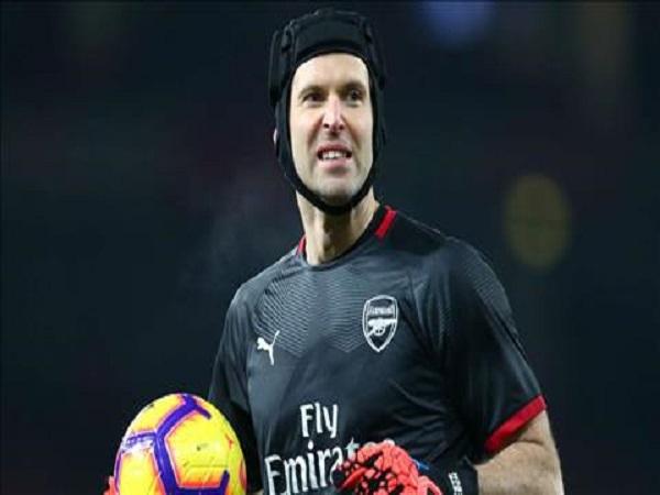 Arsenal chi 10 triệu bảng cho người thay thế Petr Cech