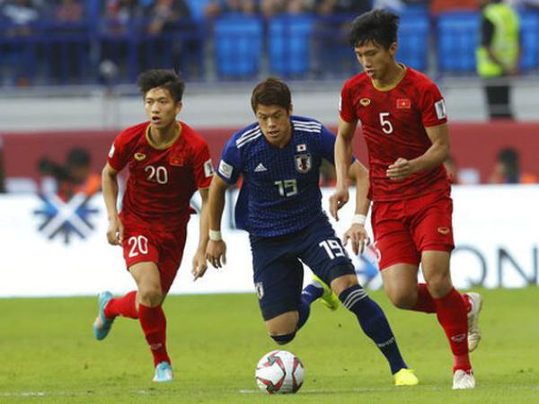 CLB Hà Nội lên tiếng về tin Văn Hậu được đội bóng Đức quan tâm