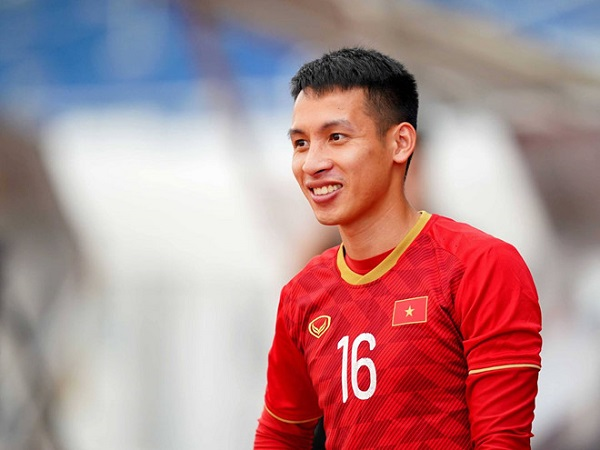 Bóng đá Việt Nam sáng 2/6: QBV Việt Nam 2019 sở hữu mức lương kém xaCông Phượng