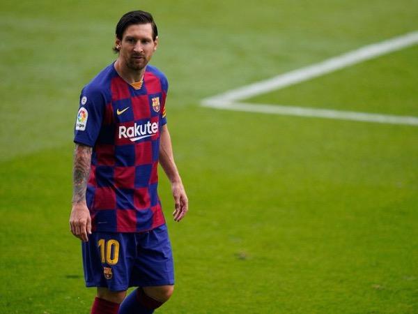 Tin bóng đá sáng 6/8: Chủ tịch Barcelona lên tiếng về tương lai Messi