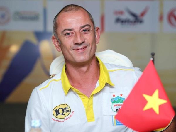Bóng đá Việt Nam sáng 29/9: HLV Graechen thích dẫn dắt các đội tuyển trẻ quốc gia