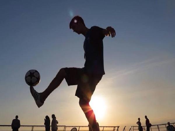 Hướng dẫn các kỹ thuật khởi động trong bóng đá ai cũng cần biết