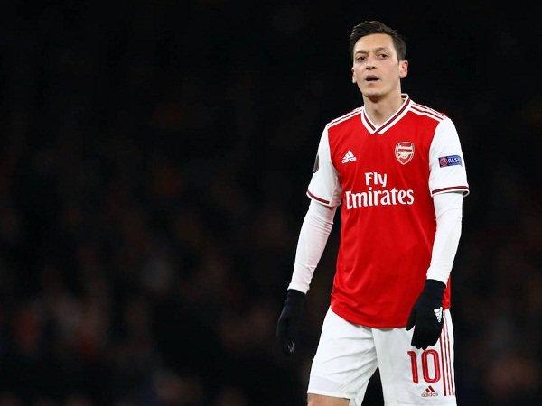 Tin bóng đá Arsenal 13/10: Mesut Ozil nhận 8 triệu bảng cho lòng trung thành