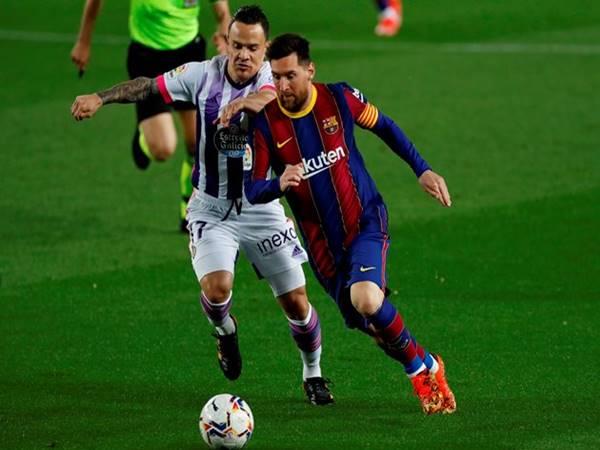 Tin bóng đá 6/4: Barcelona đánh bại Valladolid áp sát ngôi đầu